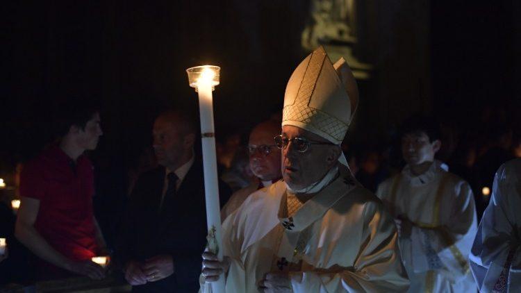 Папа Франциск возглавил богослужение Навечерия Пасхи в базилике Святого Петра