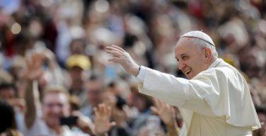 На общей аудиенции 23 мая Папа Франциск начал цикл катехез о таинстве Миропомазания