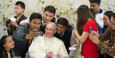 Опубликовано Послание Папы на Всемирный день миссий