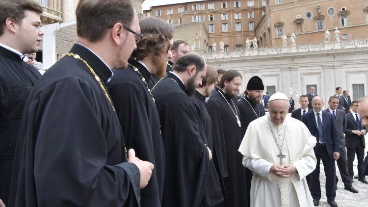 На общей аудиенции 23 мая Папа Франциск помолился об Украине и Китае