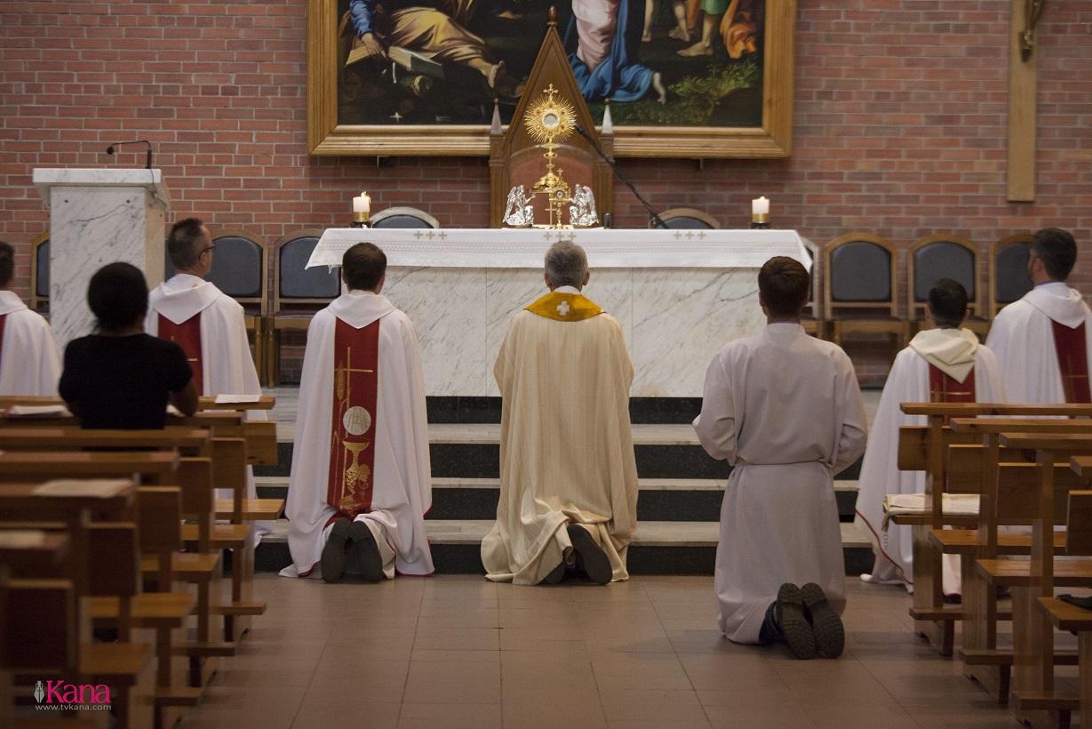 В Кафедральном соборе Новосибирска отслужена Месса памяти блаженного Владислава Буковинского