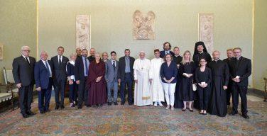 Папа: межрелигиозный диалог — это источник мира