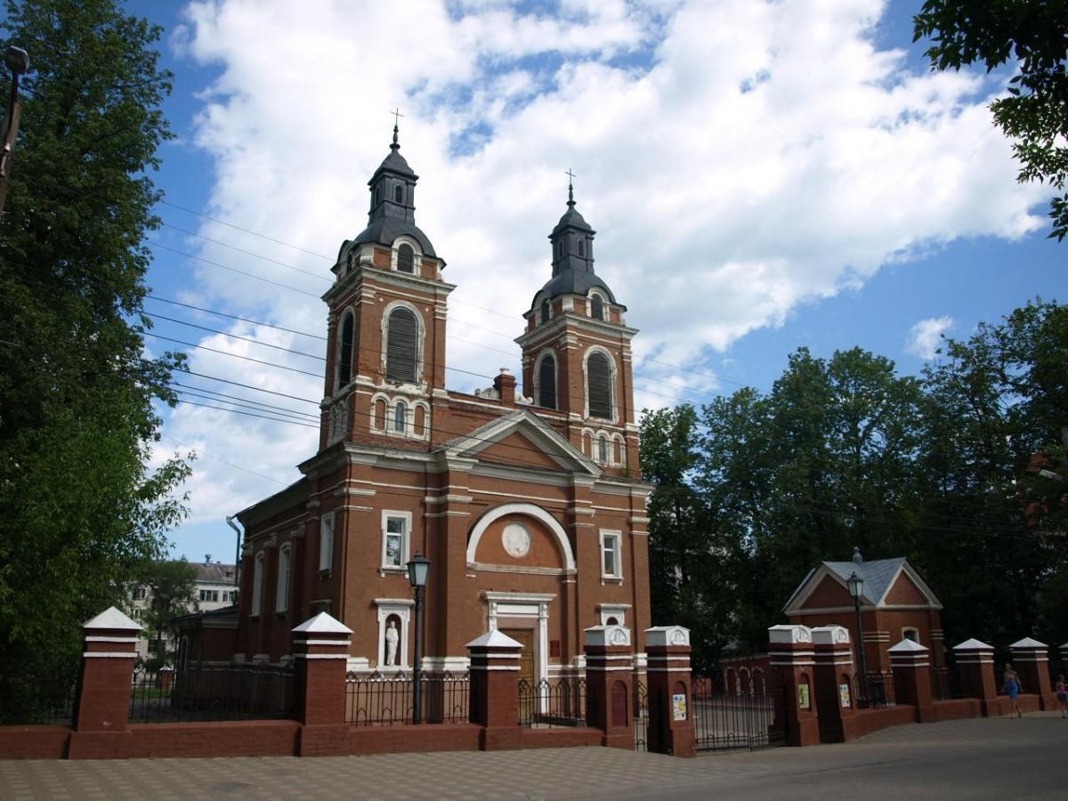 Известный в городе юрист поддержит католиков в борьбе за возвращение здания храма в Кирове