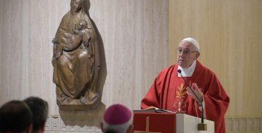 На Мессе в Доме Св. Марфы Папа Франциск говорил о преследовании христиан