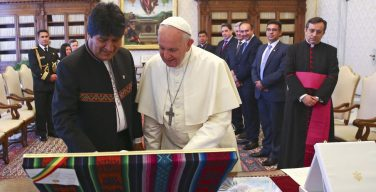 Папа встретился с президентом Боливии