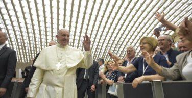 Папа: надежда на будущее – это основное право человека