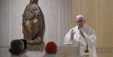 Папа: диктатуры начинаются с клеветнической коммуникации