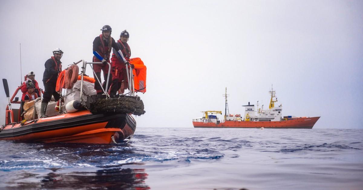 Монс. Грек: «Бог погрузился в море вместе с мигрантами»