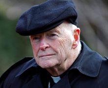 Папа принял отставку кардинала Теодора МакКаррика