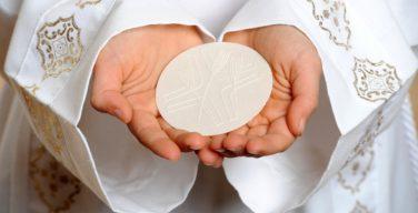 Трудные вопросы: женское священство