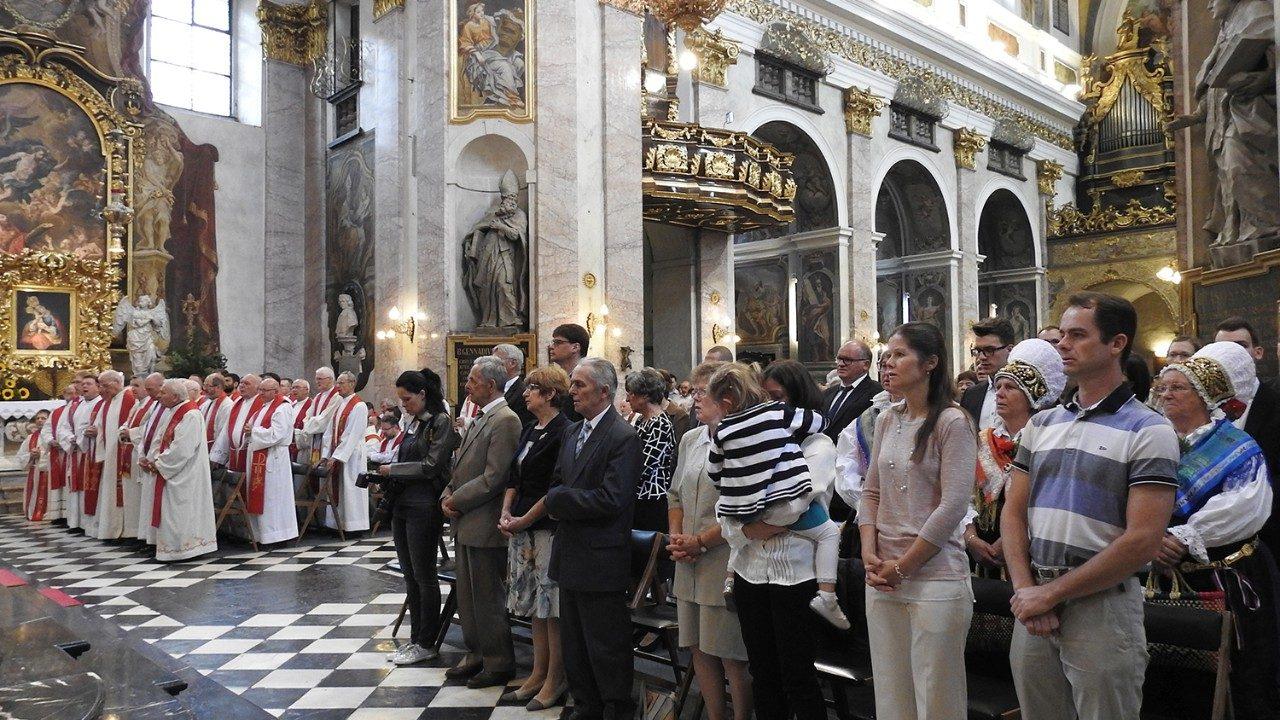 Может ли некатолик исповедоваться и причащаться в Католической Церкви?