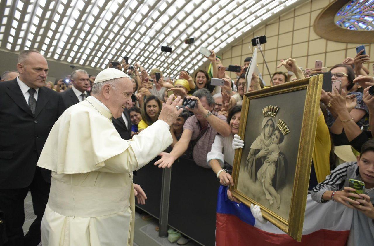 Папа: произнося имя Божье, мы «берем его на себя» (ВИДЕО + ФОТО)
