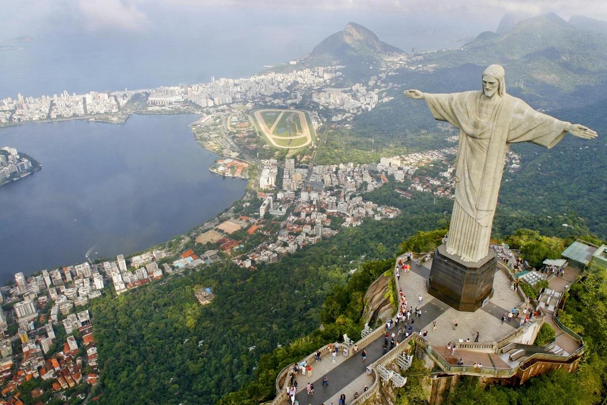 В украинском Трускавце установили копию бразильского памятника Христа-Искупителя