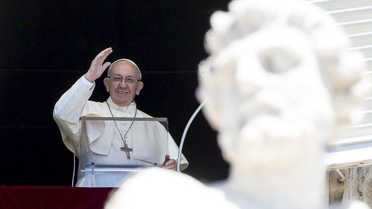Слово Папы Франциска перед молитвой «Ангел Господень» в 18-е Рядовое воскресенье. 5 августа 2018 г., площадь Св. Петра