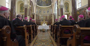 Папа – епископам: унижение болезненно, но спасительно