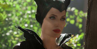 Анджелина Джоли попала в психбольницу после роли дьяволины