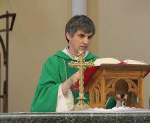Священник, возглавлявший молодежное служение в Архиепархии Божией Матери в Москве простился со своей паствой