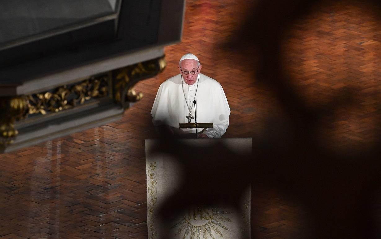 Церковь должна измениться, если хочет удержать будущие поколения — Папа Франциск