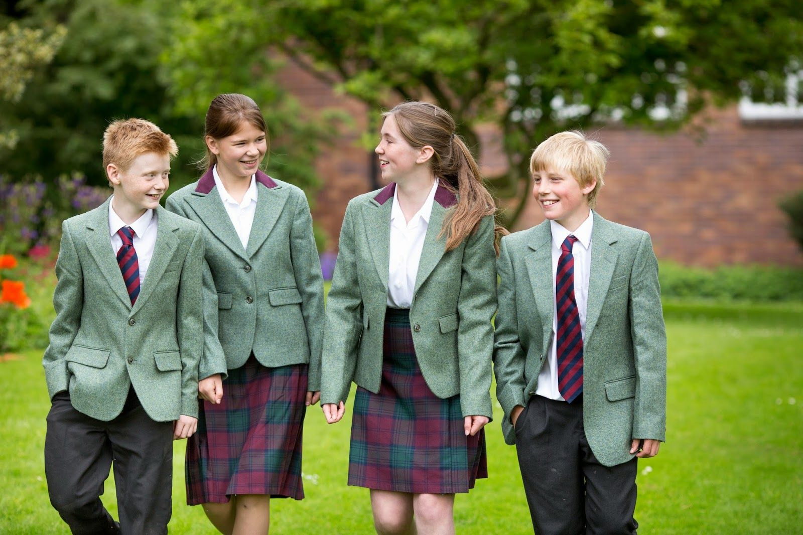 В школах Британии планируется ввести изучение всех религий и учений мира