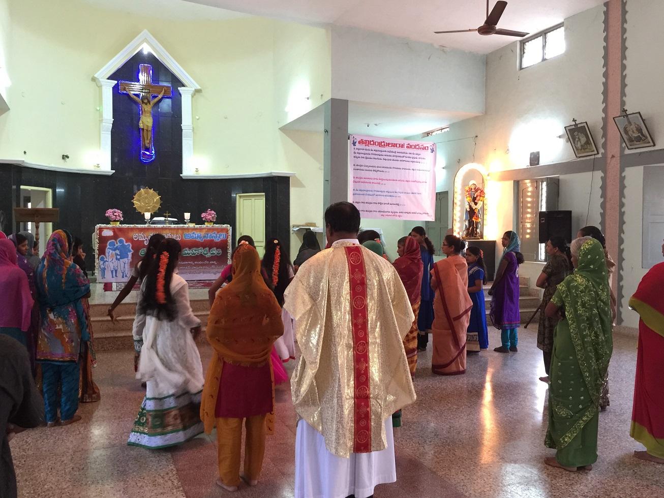 В Индии многие христиане прекратили посещать церковь из-за угроз от индуистов