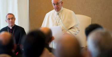 Папа — облатам: будьте верны Церкви во времена релятивизма