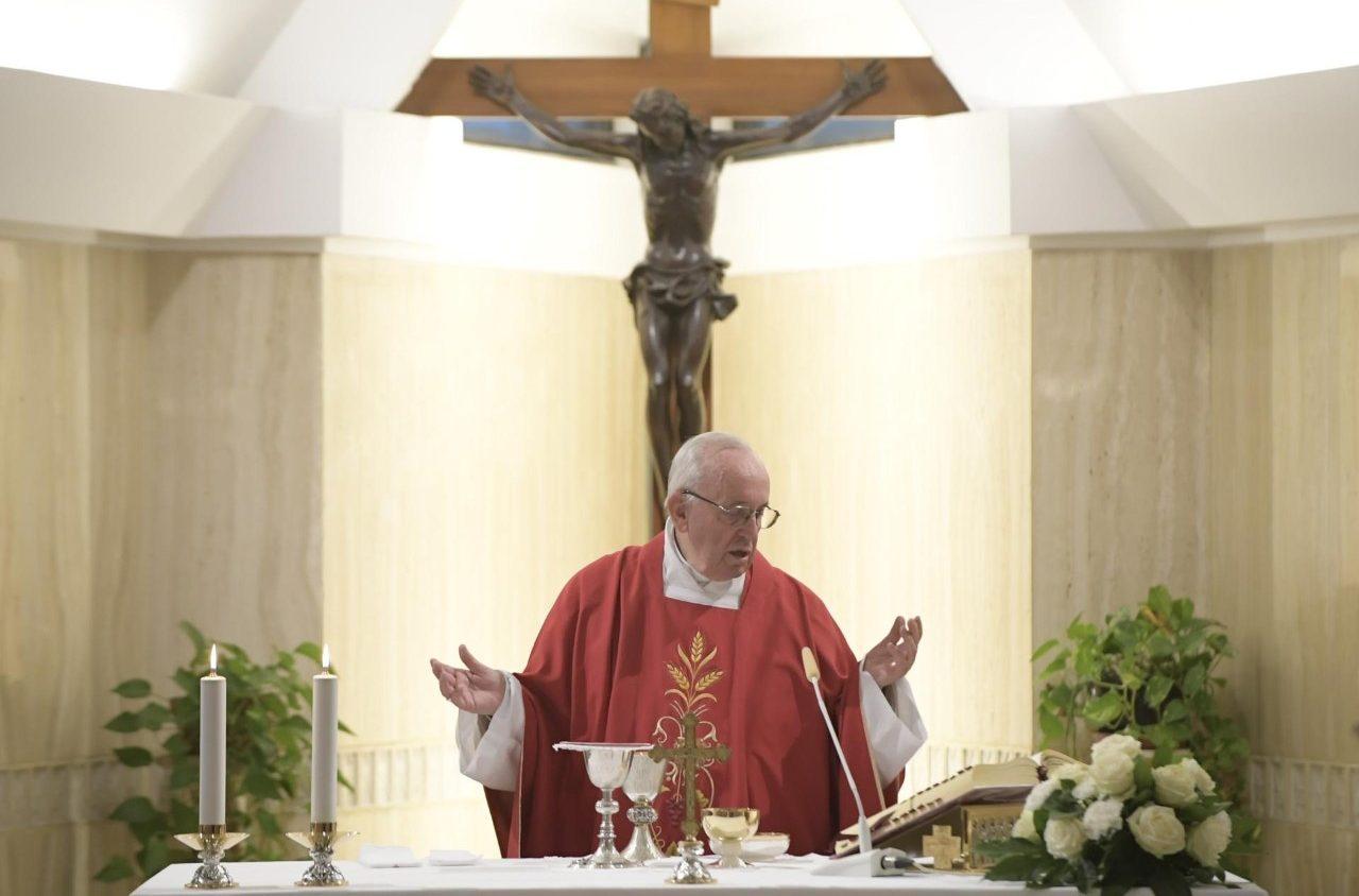 Папа на Мессе в ватиканской часовне: дьявол пользуется лицемерами, Христос учит подлинной любви