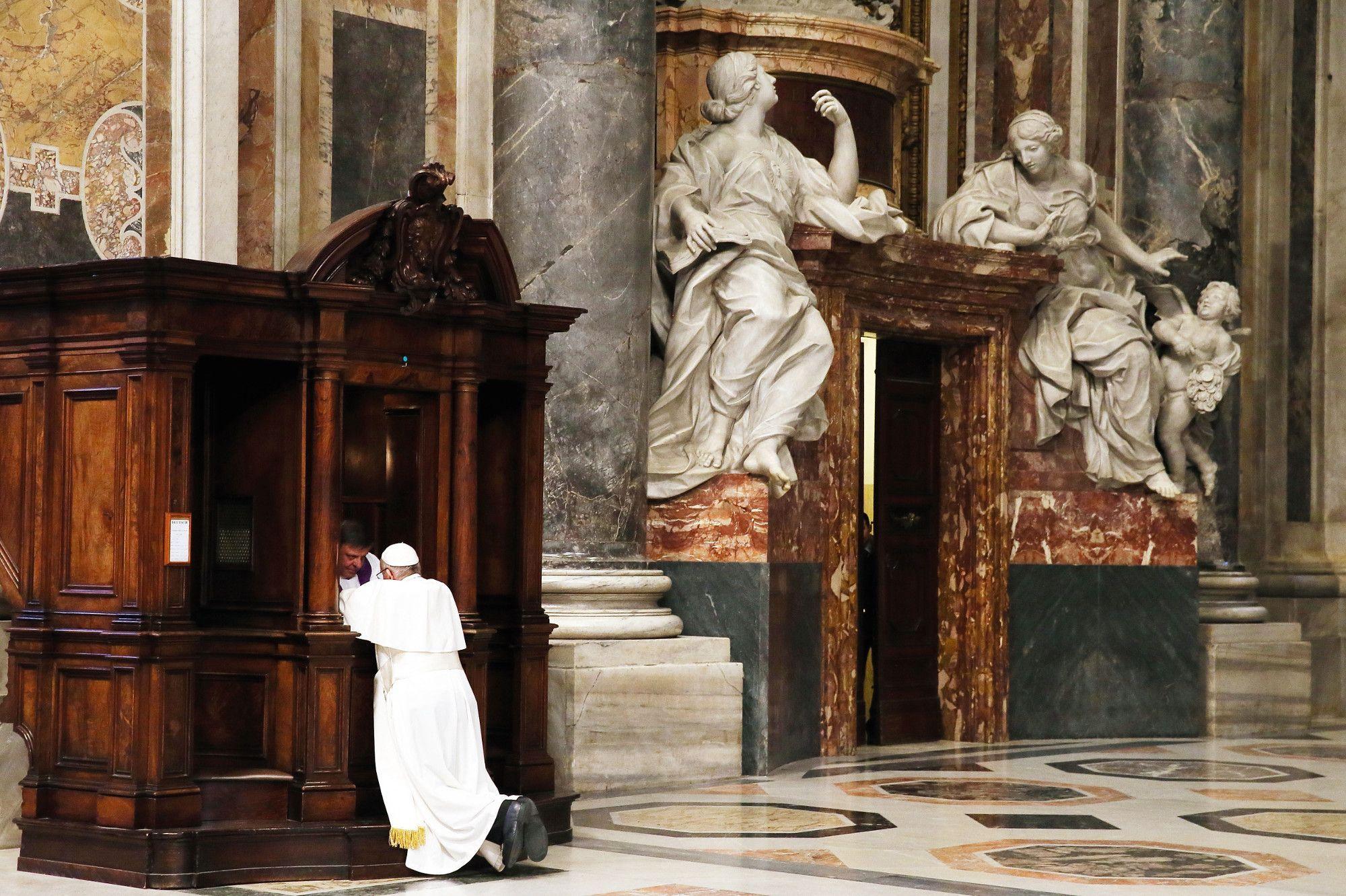Как должен вести себя католик, если его исповедь прослушивается и записывается?
