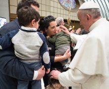 Папа призвал итальянские семьи к святости