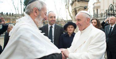 Папа поздравил иудейское сообщество с праздниками