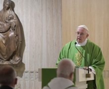 На Мессе в Доме Св. Марфы Папа Франциск призвал остерегаться христиан, имеющих вид напускной суровости