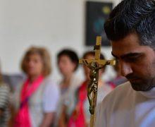 В ОАЭ проходит крупнейшая встреча арабской католической молодежи