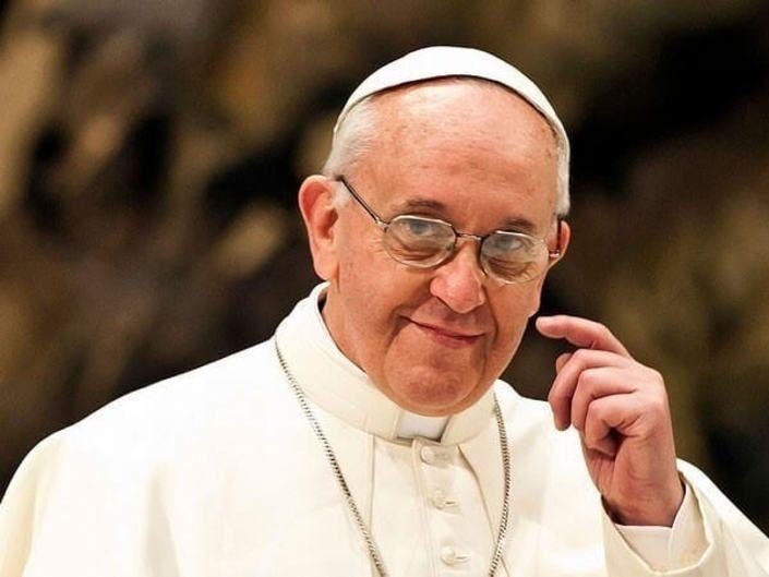 Папа Римский Франциск стал первым игроком Pokemon Go для католиков
