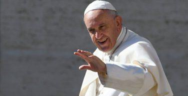 В Южной Корее утверждают, что Ким Чен Ын пригласил Папу Франциска посетить КНДР