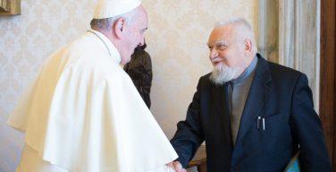 Папа: община Бозе способствует обновлению монашеской жизни