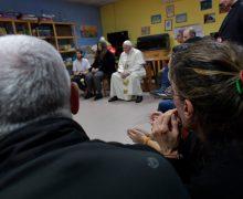 Папа посетил больных на окраине Рима (ФОТО + ВИДЕО)